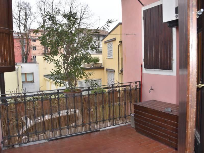 appartamentorigoletto-bebalducale-parma-terrazzino 800x600