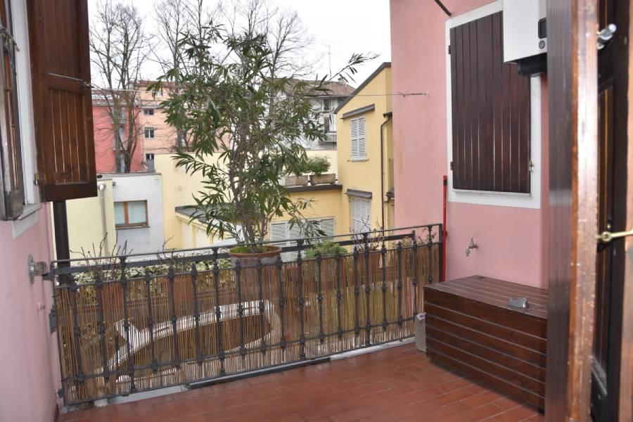appartamentorigoletto-bebalducale-parma-terrazzino