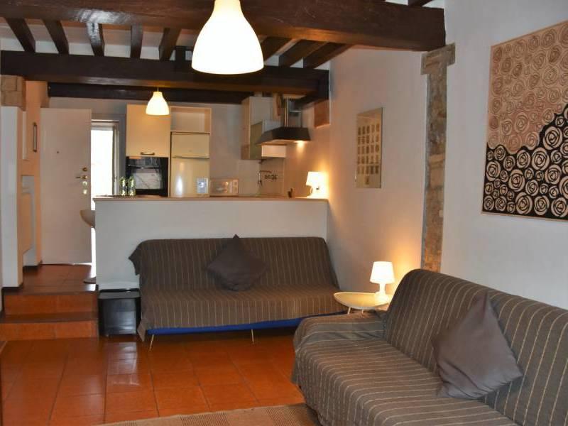 appartamentoernani-bebalducale-divani-parma800x600 (1)