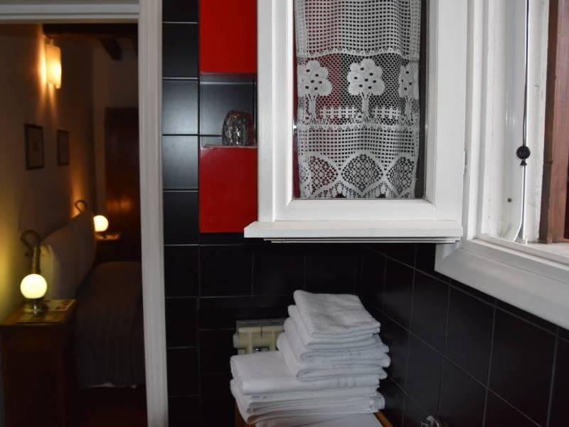 appartamentoernani-bebalducale-parma-bagno-asciugamani800x600 (1)