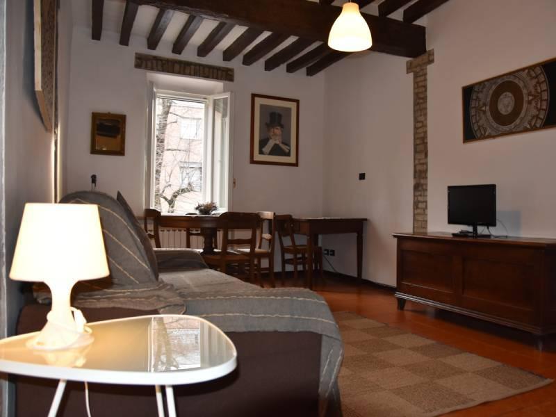 appartamentoernani-bebalducale-parma-divano800x600