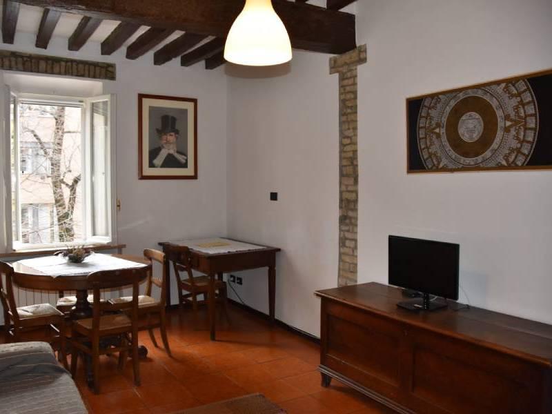 appartamentoernani-bebalducale-parma-soggiornotv5 800x600