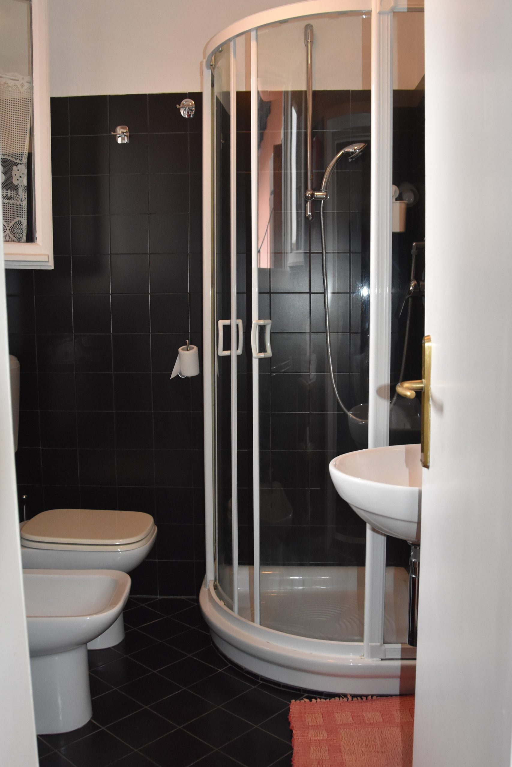 appartamentoernani-bebalducale-parma-bagno