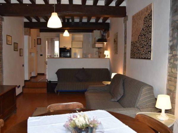 Appartamento Ernani - B&B Al Ducale Parna